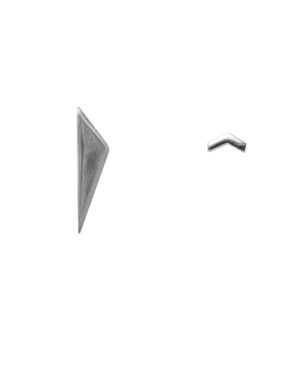 Arrow-Point-triangle-zilver-label-kiki.jpg