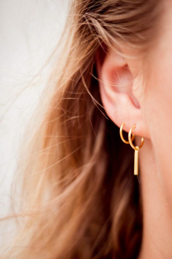 bar-hoops-gold-label-kiki.jpg