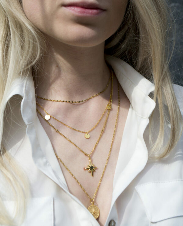 big-star-necklace-gold-label-kiki.jpg