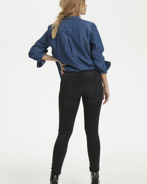 Celina-long-black-wash-denim-hunter.jpg