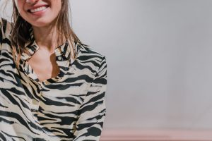 philippa-yellow-zebra-shirt-twist-and-tango-maisoui.jpg