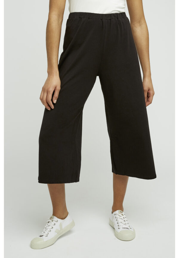 Chandre cropped black trousers