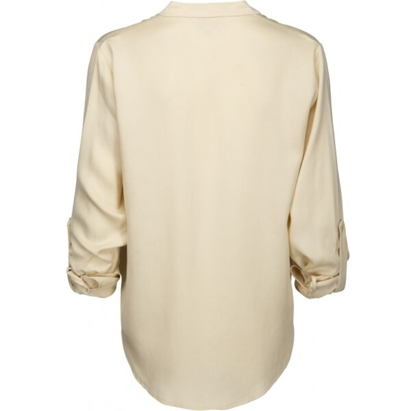 Ecru Tencel blouse with pockets on the chest and roll-up sleeves back