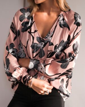 Lykke-blouse-nude-flower-twist-and-tango.jpg