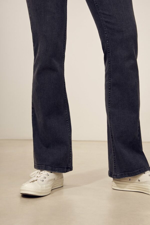 Jackie-flared-jeans-labdip