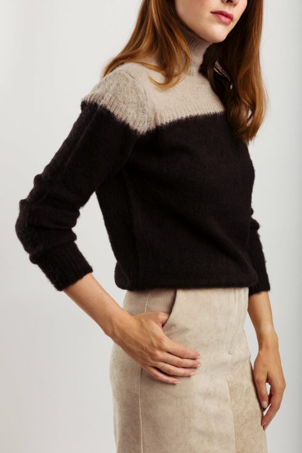 Lydia-pullover-zwart-grijs-wearable-stories.jpg