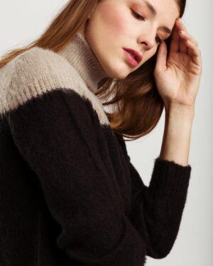 Lydia-pullover-zwart-grijs-wearable-stories.jpg