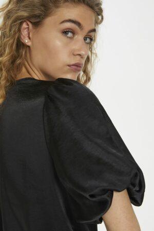 Giselle-top-zwart-denim-hunter.jpg