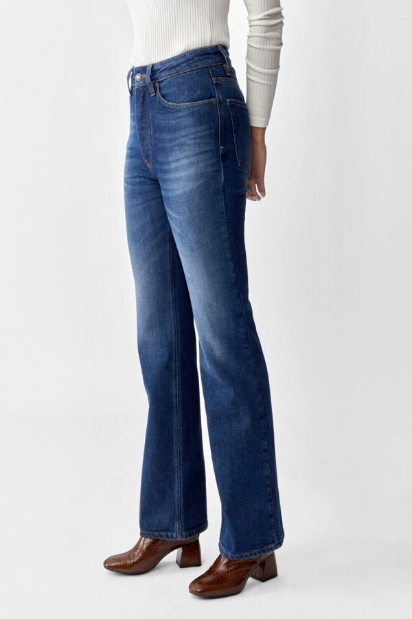 Lo-Flare-jeans-twist-and-tango.jpg